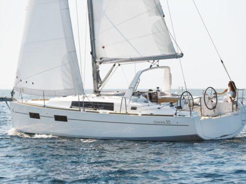 Oceanis 35.1 Boat