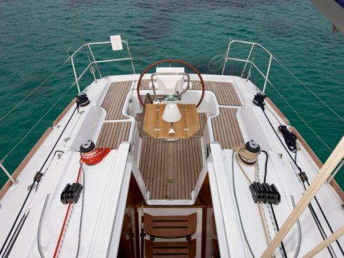 Oceanis 31 Boat